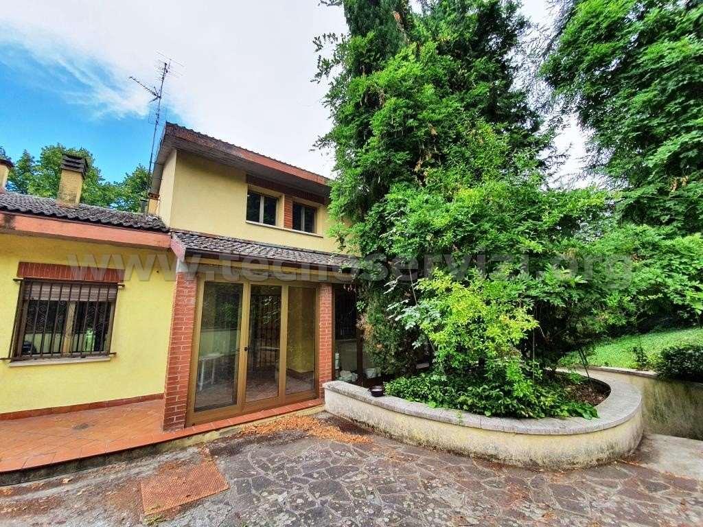 Villa in Vendita a Monte San Pietro