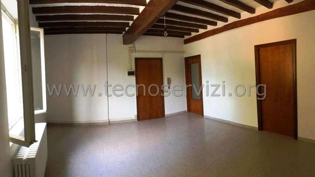 Appartamento in vendita a Savignano sul Panaro, 3 locali, zona Zona: Doccia, prezzo € 77.000 | CambioCasa.it