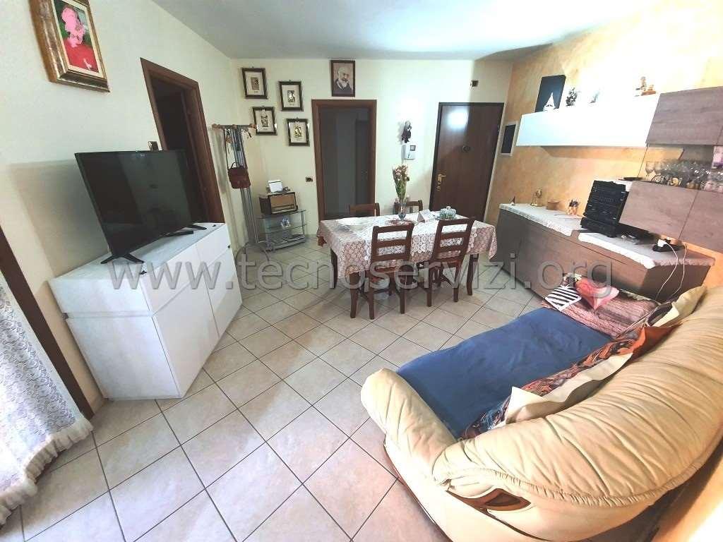 Appartamento in vendita a Savignano sul Panaro, 4 locali, zona Zona: Doccia, prezzo € 200.000 | CambioCasa.it