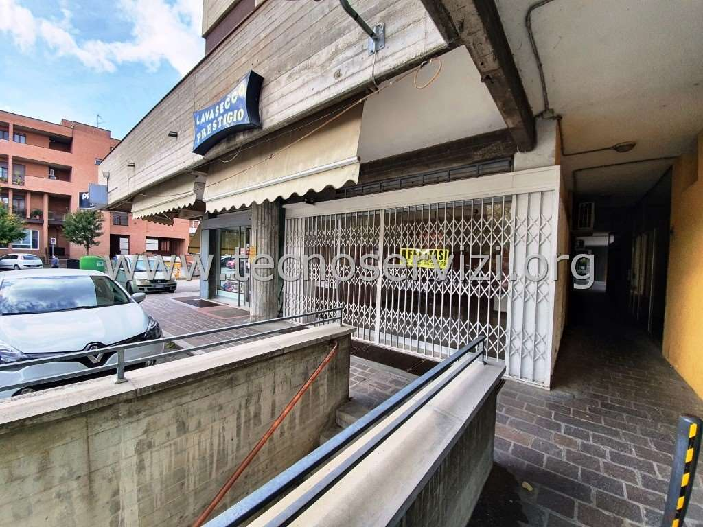 Negozio / Locale in affitto a Savignano sul Panaro, 1 locali, zona Zona: Doccia, prezzo € 350 | CambioCasa.it