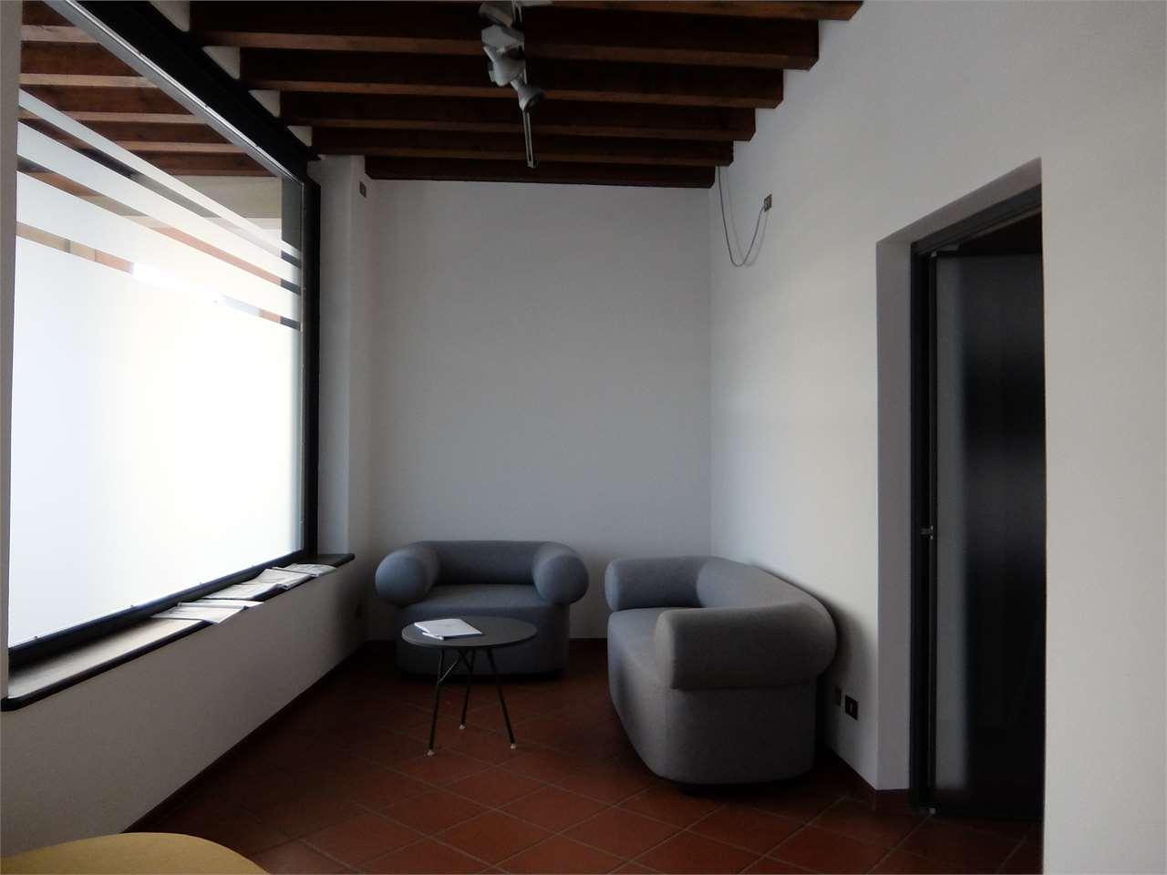Ufficio / Studio in affitto a Oderzo, 2 locali, prezzo € 1.000 | CambioCasa.it
