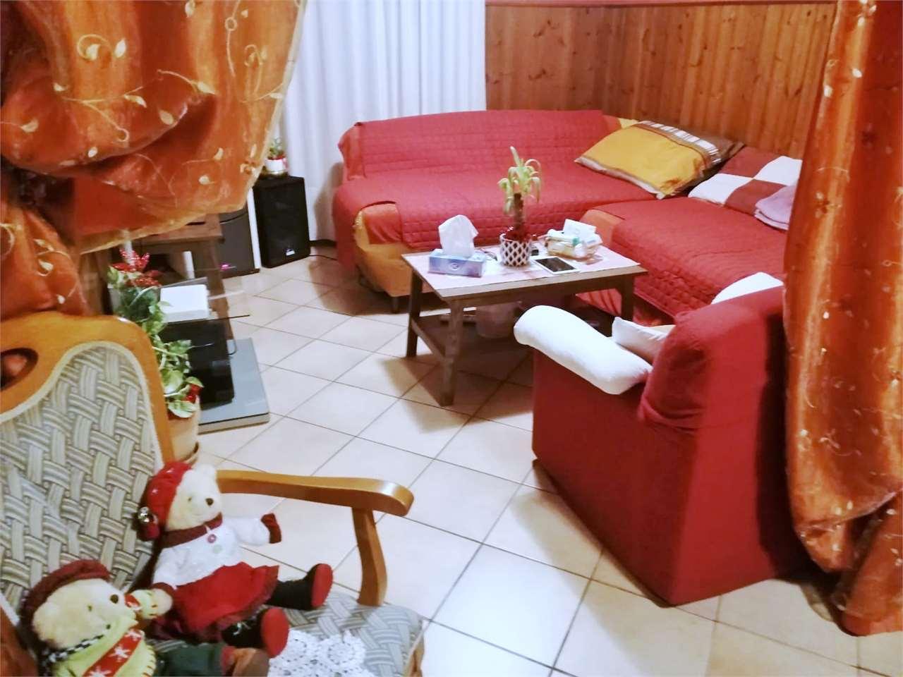 Villa in vendita a Gorgo al Monticano, 10 locali, zona Località: Navolè, prezzo € 200.000 | CambioCasa.it