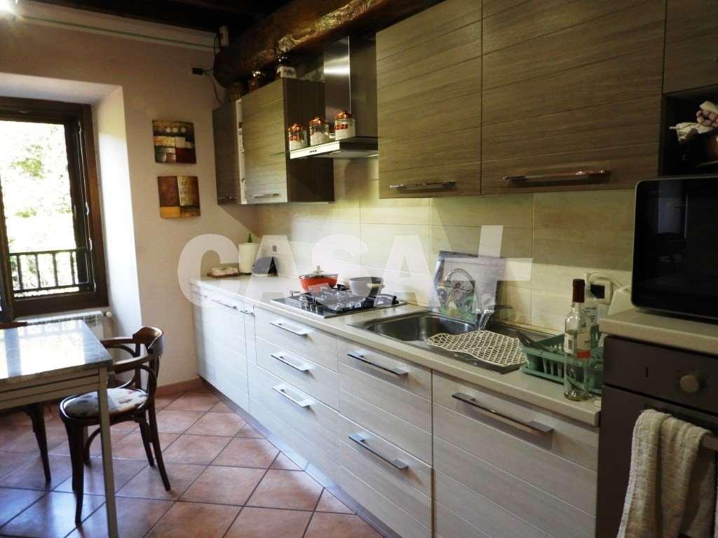 Vendita Trilocale Appartamento Cocquio-Trevisago 288097