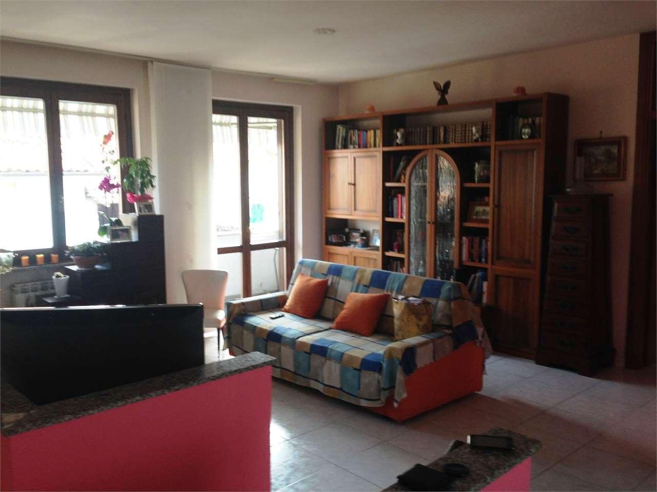 Appartamento in vendita a Parona, 3 locali, prezzo € 80.000 | CambioCasa.it