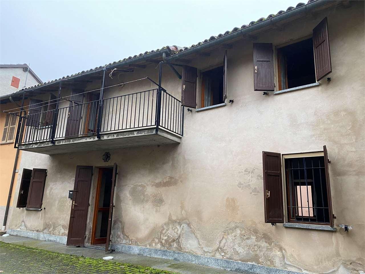 Villa in vendita a Camagna Monferrato, 7 locali, prezzo € 68.000 | CambioCasa.it