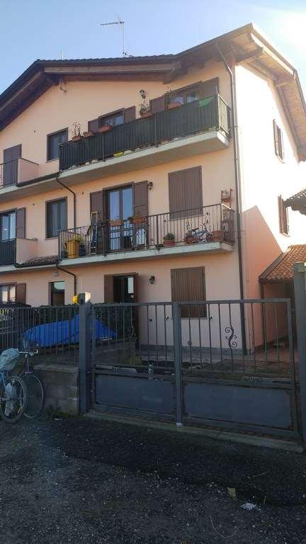 Appartamento in vendita a Zerbolò, 4 locali, prezzo € 65.000 | CambioCasa.it