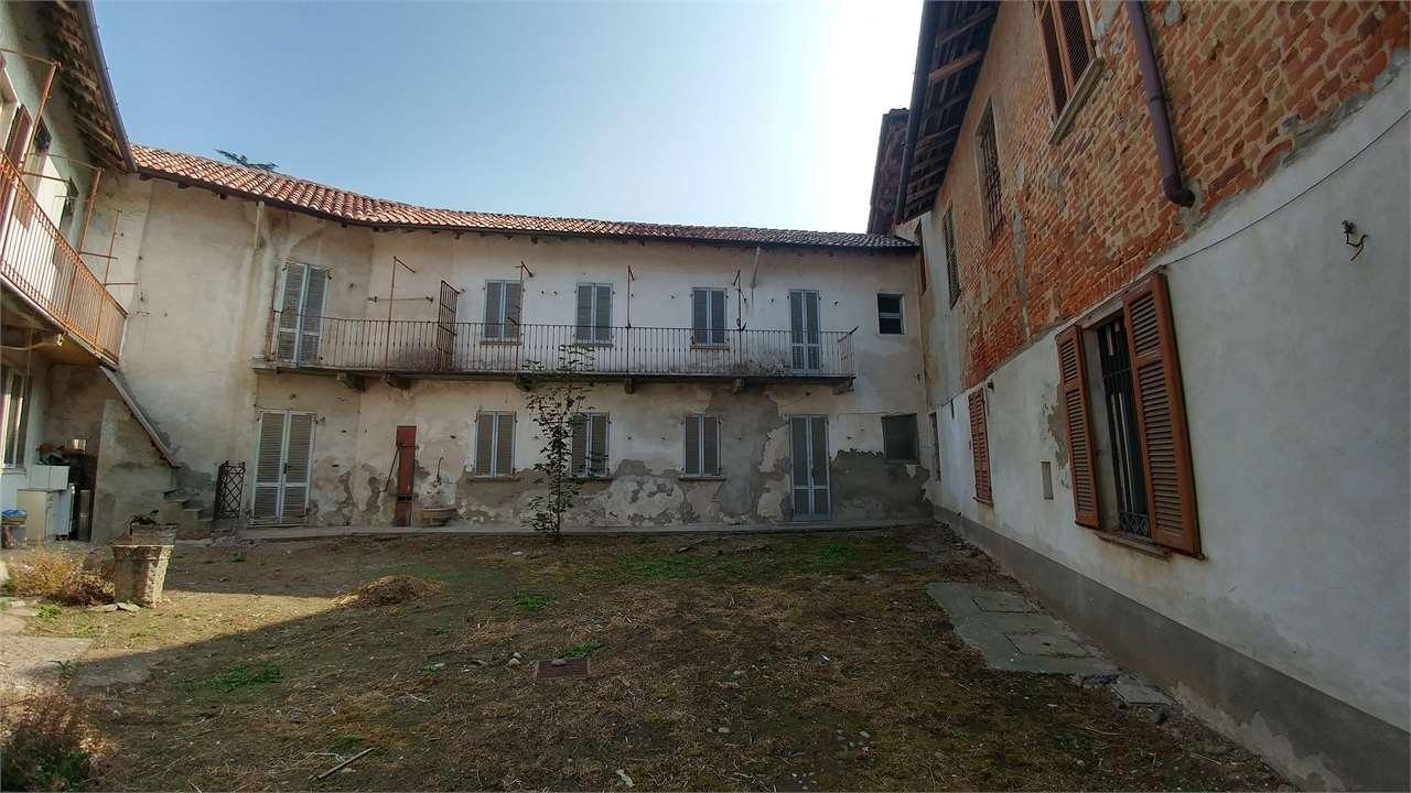 Soluzione Indipendente in vendita a San Giorgio di Lomellina, 8 locali, prezzo € 32.000 | CambioCasa.it
