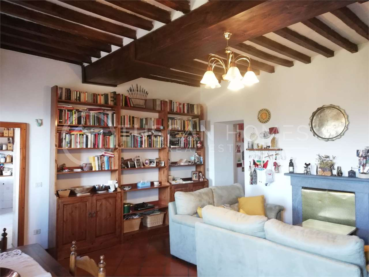 Four-bedroom-townhouse-with-panoramic-views-barga-historic-centre-lucca-tuscany-italy-lucca-for-sale