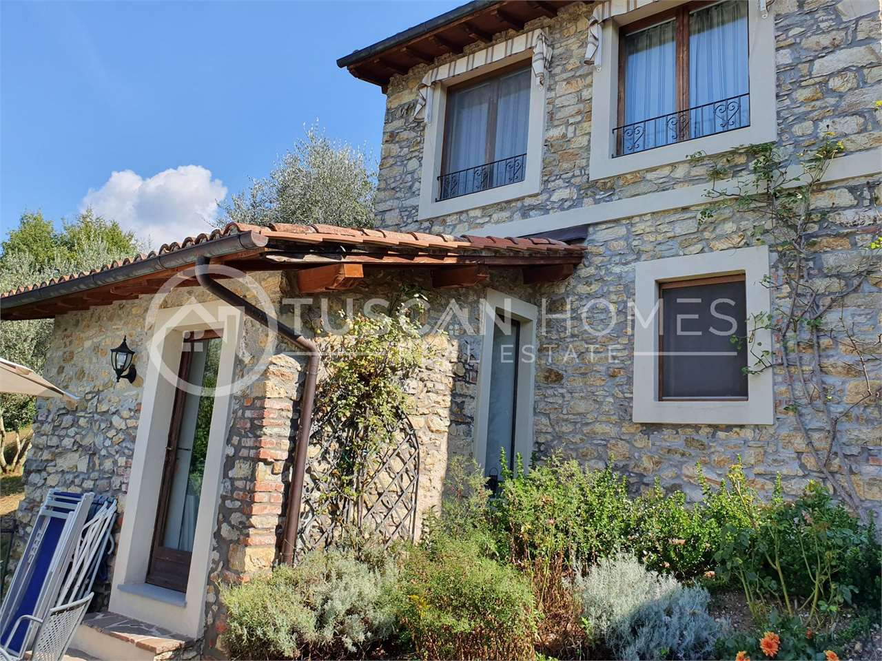 Farmhouse_guest_house_B&B_Barga_lucca_Tuscany_