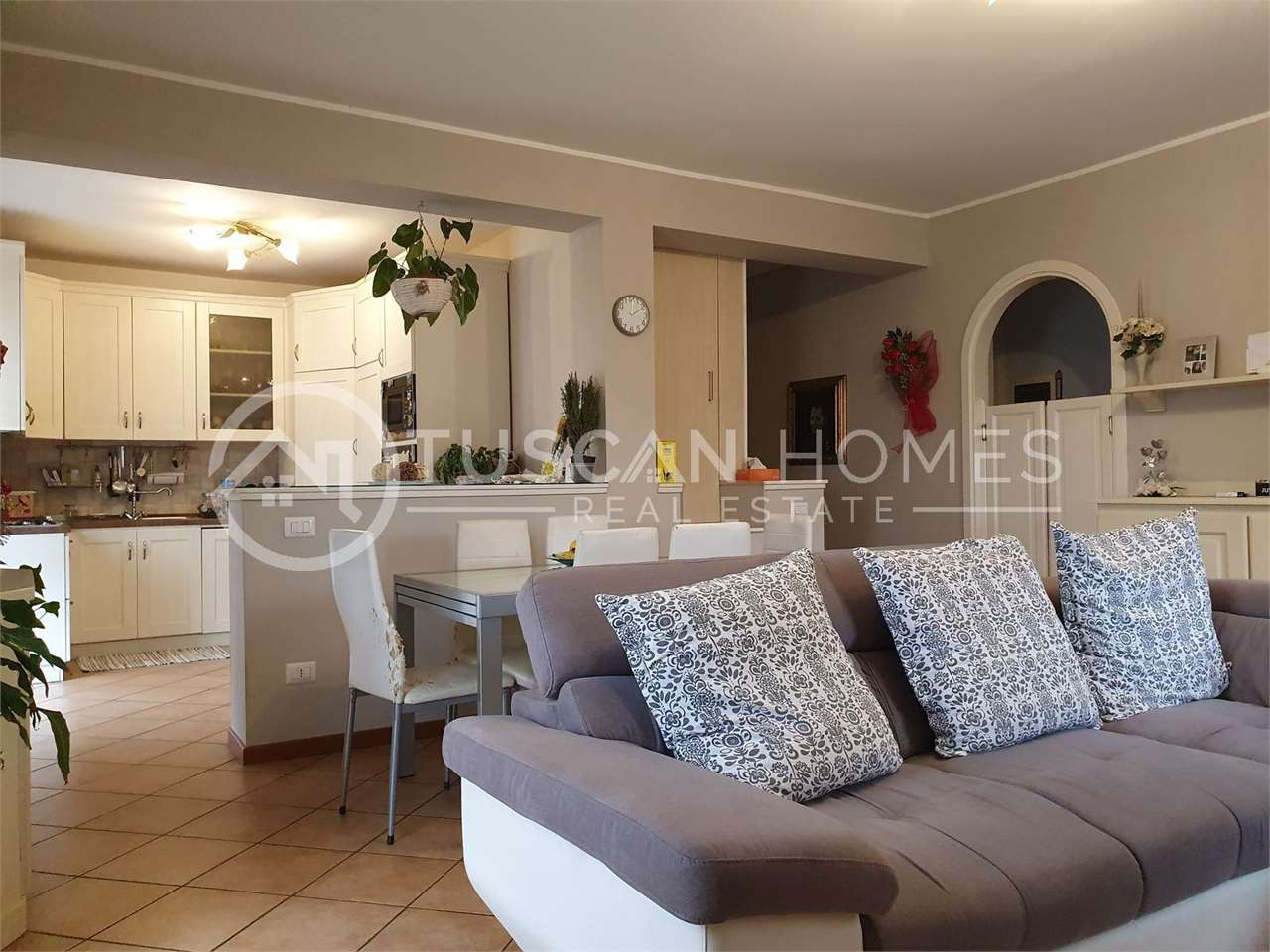 for-sale-apartment-barga-modern-two-bedrooms-panoramic-terrace