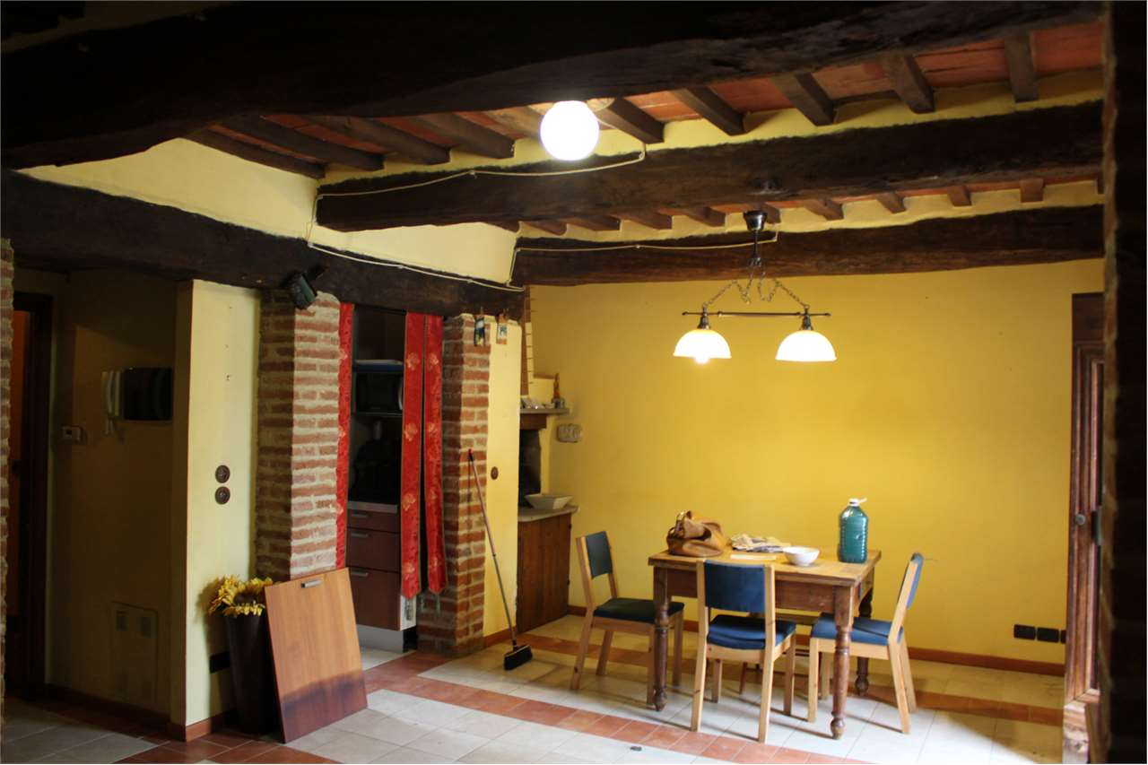 vendita appartamento monte san savino montagnano  90000 euro  4 locali  70 mq
