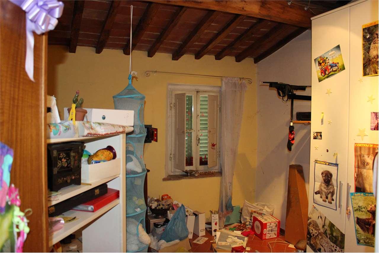 vendita appartamento monte san savino montagnano  90000 euro  4 locali  80 mq