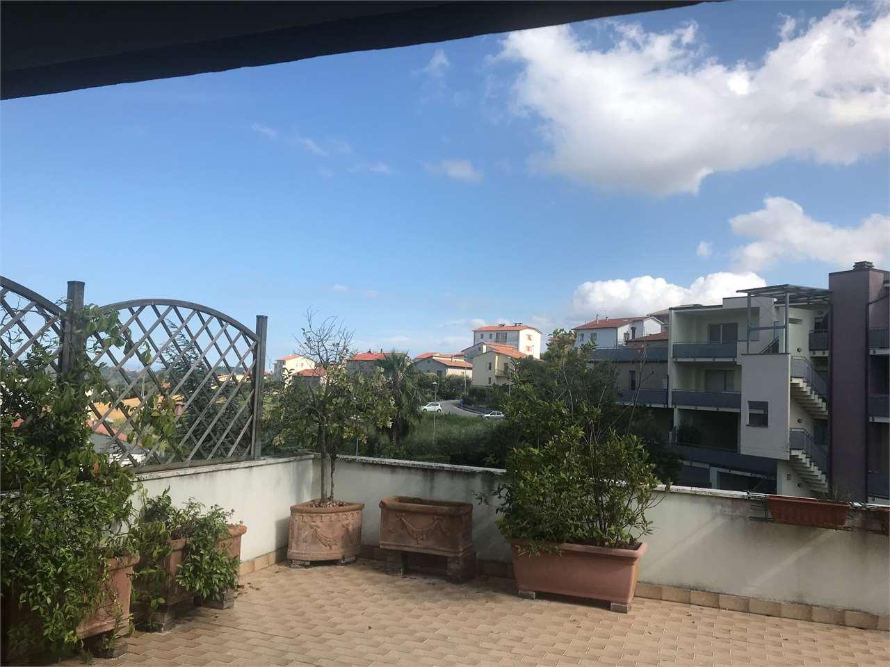 Appartamento in vendita a Osimo, 4 locali, prezzo € 125.000 | CambioCasa.it