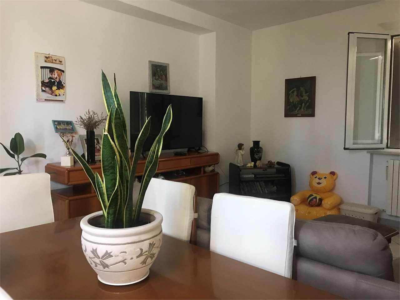 Appartamento in vendita a Osimo, 4 locali, prezzo € 230.000 | CambioCasa.it